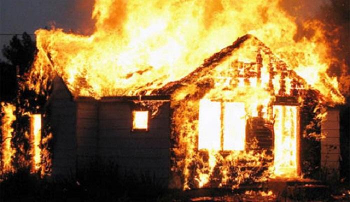 Mơ thấy lửa cháy nhà là điềm gì